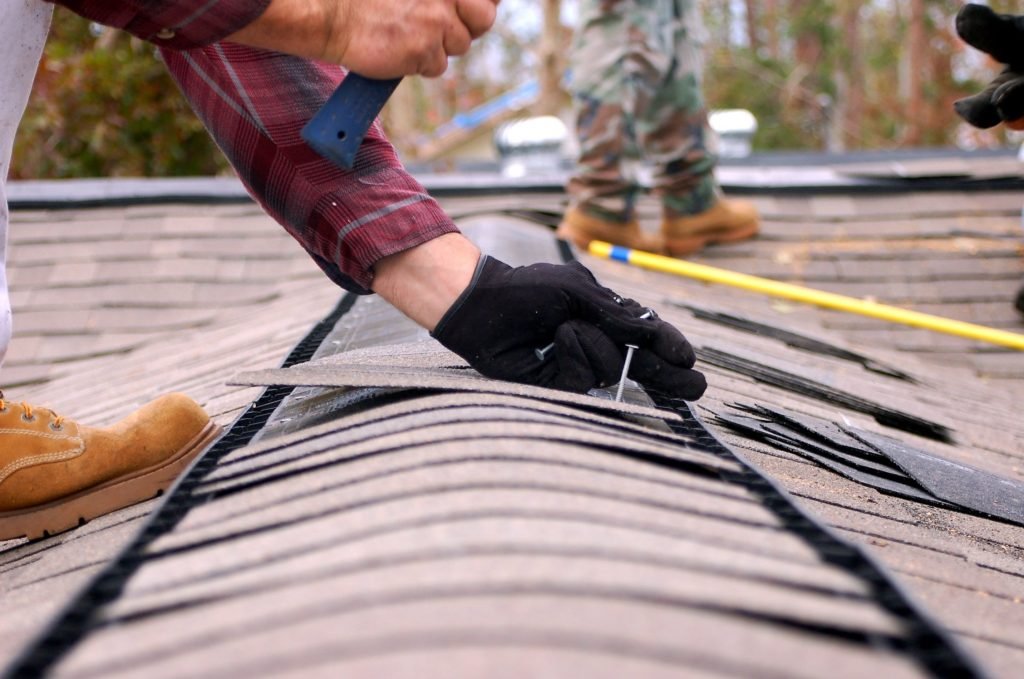 roof-repair-saves-thousands